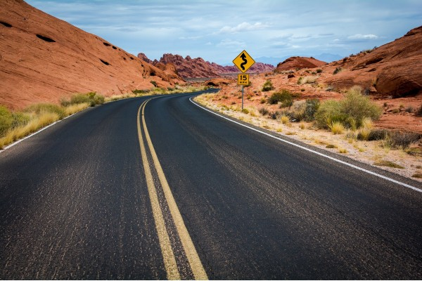 Opony samochodowe a bezpieczeństwo. Co warto wiedzieć?